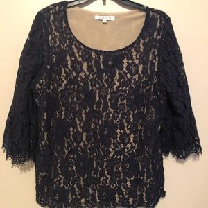 Rose & Olive XL  Navy lace top